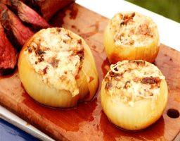 Cebollas rellanas al horno
